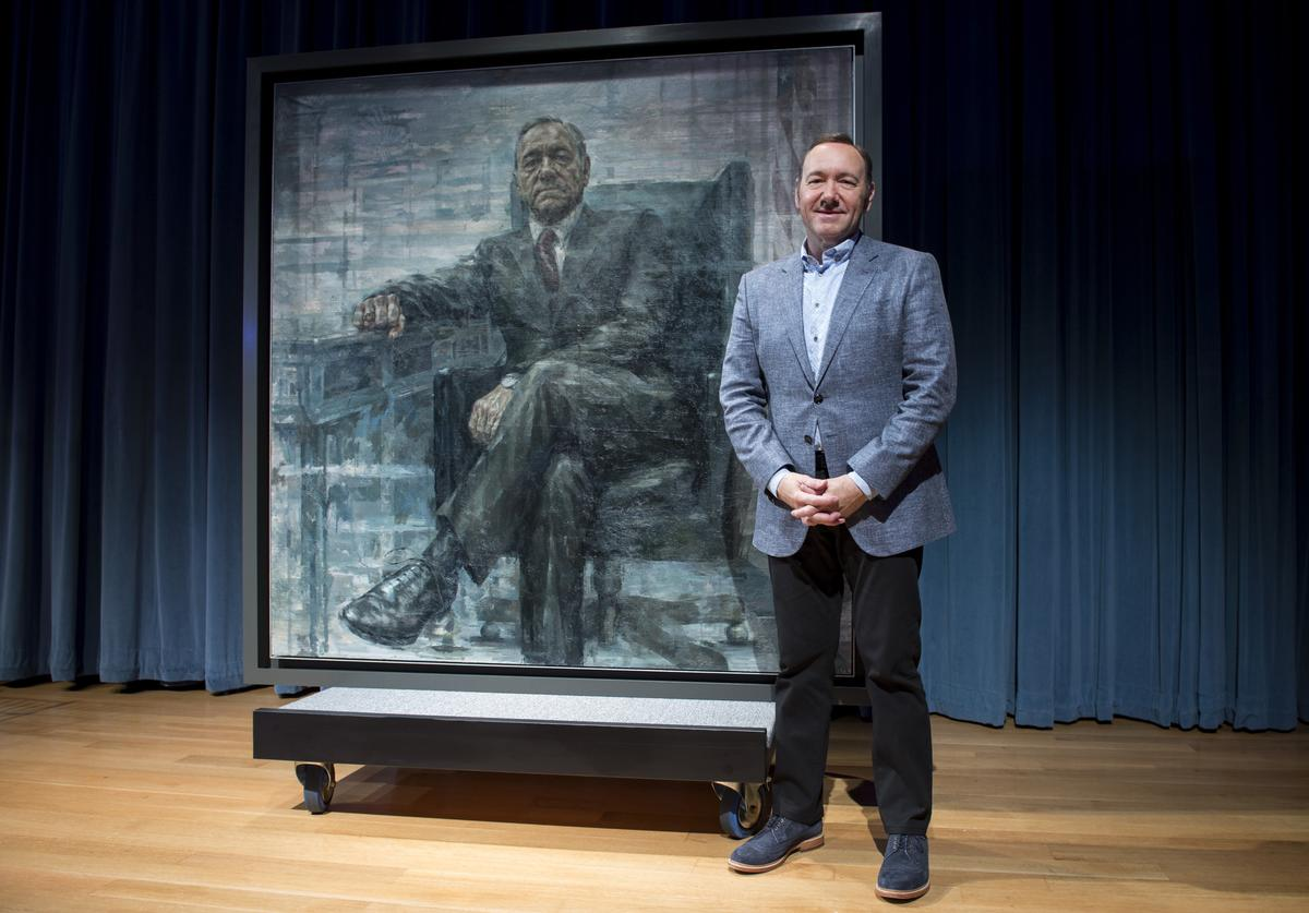 Kevin Spacey poses for a photo with a portrait of President Frank Underwood (from the Netflix series 'House Of Cards') at a press conference hosted by The Smithsonian and Netflix at the National Portrait Gallery on February 22, 2016 in Washington, DC.