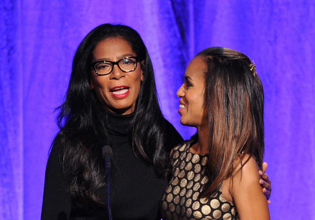 Author/producer Judy Smith (L) presents an award to honoree Kerry Washington onstage during Variety's 5th Annual Power of Women event presented by Lifetime at the Beverly Wilshire Four Seasons Hotel on October 4, 2013 in Beverly Hills, California.