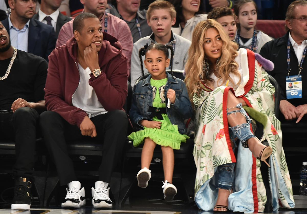 Jay Z, Beyonce & Blue ivy at basketball game