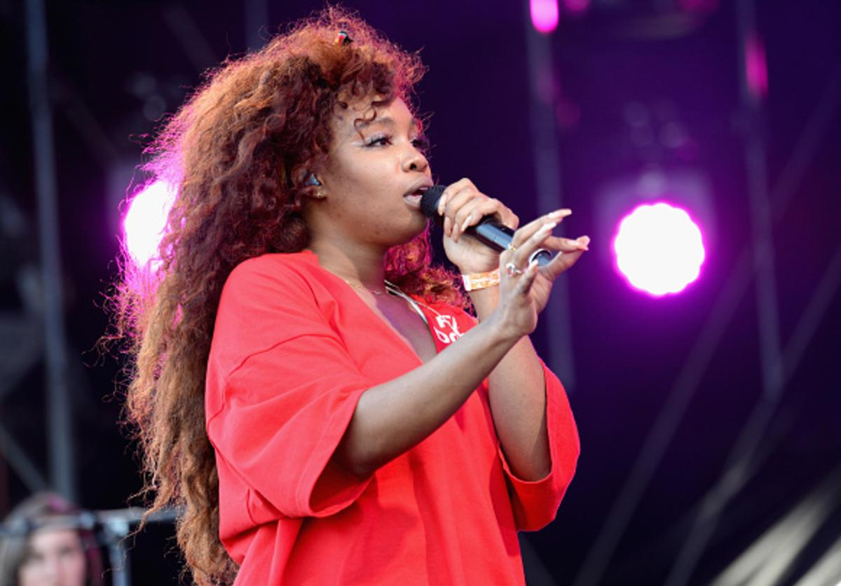 SZA performing at Made in America.