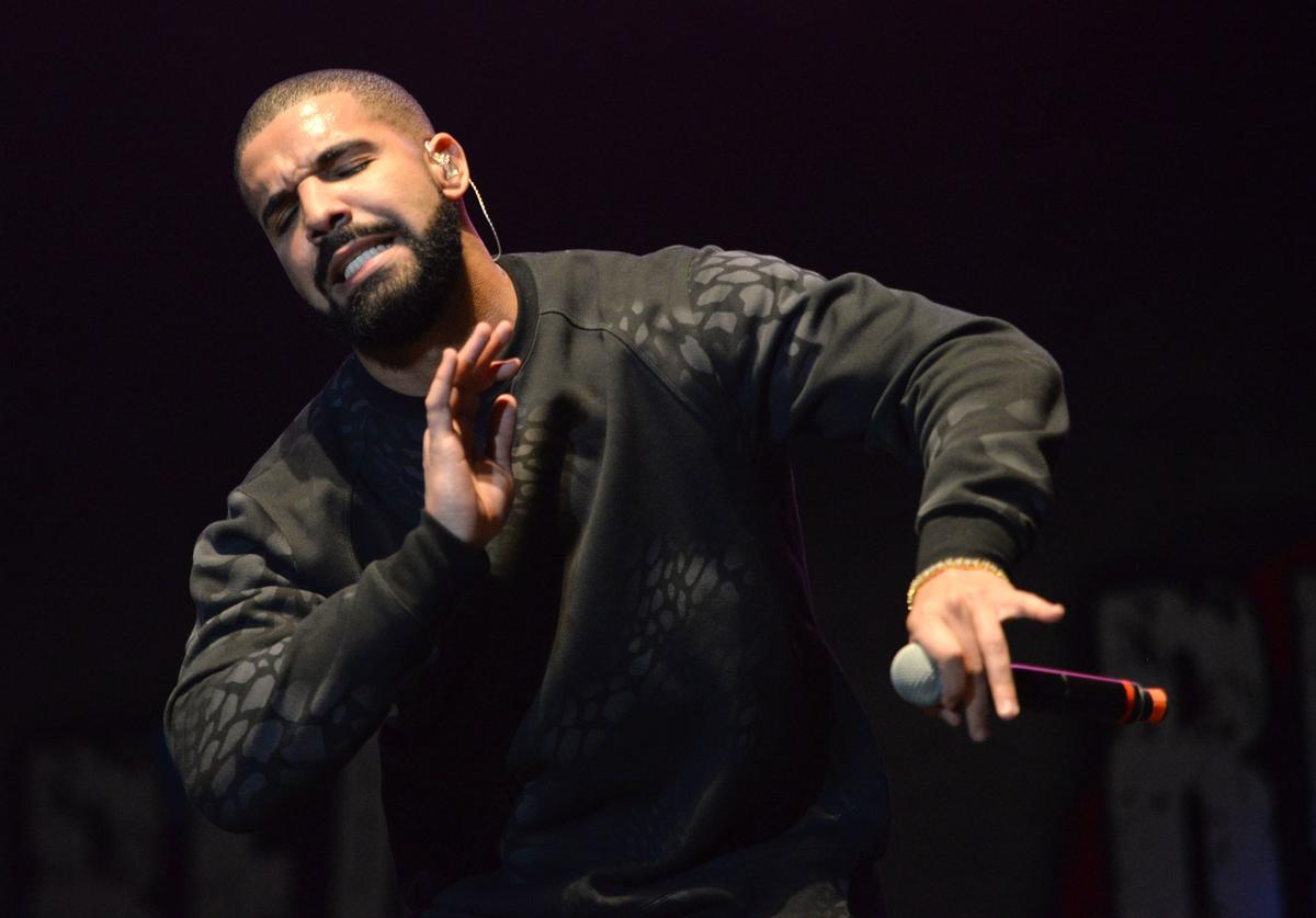 Musician Drake performs onstage during REAL 92.3's 'The Real Show' at The Forum on November 8, 2015 in Inglewood, California