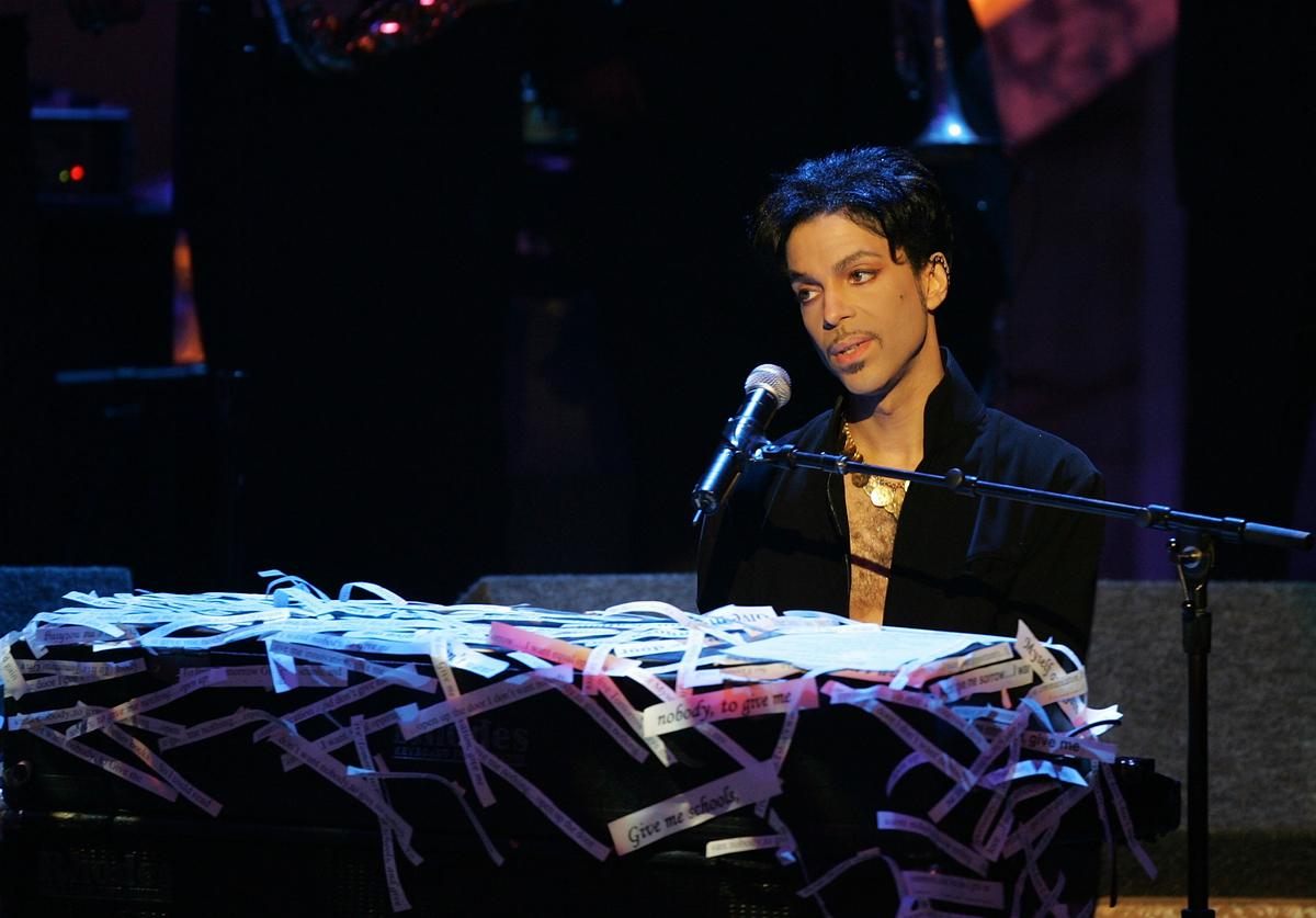 Musician Prince performs on stage at the 36th NAACP Image Awards at the Dorothy Chandler Pavilion on March 19, 2005 in Los Angeles, California