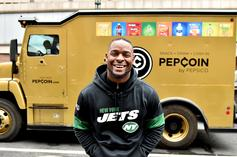 Le'Veon Bell Caught Bowling All Night After Jets Ruled Him Out With The Flu