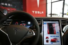 Utah Man Surgically Implants Tesla Key & Other Chips Into Hands
