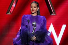 """Rihanna Encourages Other Races To """"Pull Up"""" For Black Issues At NAACP Image Awards"""
