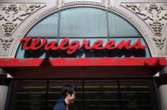 Man Shamelessly Robs Walgreens On Lyft Bicycle While Security Films