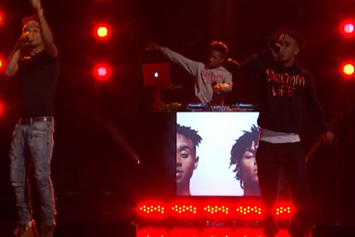 "Rae Sremmurd Perform ""No Type"" On Conan"
