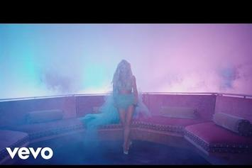"""Britney Spears Feat. Tinashe """"Slumber Party"""" Video"""
