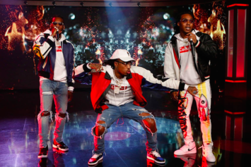 """Migos Perform """"Bad & Boujee"""" On Jimmy Kimmel Live"""