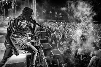 Travis Scott Calls Out Fans For Being On Their Phones During Concert