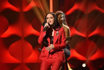 "Kehlani Wins Rule Breaker Award, Performs ""Honey"" At Billboard's Women In Music"