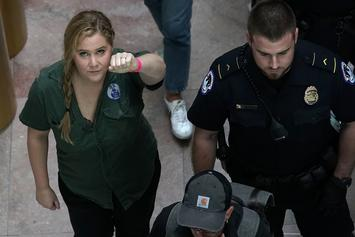 Amy Schumer & Emily Ratajkowski Arrested During Kavanaugh Protests