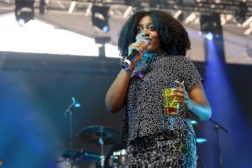"""Noname Performs A Medley Of """"Room 25"""" Songs On The Late Show With Colbert"""