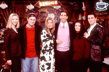 """Netflix Plans On Pulling """"Friends"""" From Streaming Service & Fans Are Seriously Upset"""