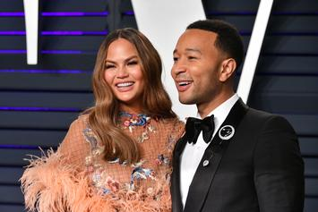 Chrissy Teigen Politely Pushes John Legend Out Of The Way For A Solo Photo
