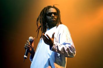 "Buju Banton Reminds Jamaicans Why He's ""The Champion"" In Return Concert"