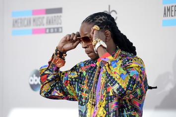 "2 Chainz Brings ""NCAA"" & ""Rule The World"" To Jimmy Kimmel Live"