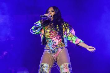 """Ashanti's """"Ample Curves"""" Set Off A Planetary Shift After """"Stuck"""" Movie Premiere"""