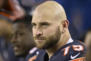 Kyle Long Hilariously Responds To Exposing Himself In Bears Locker Room