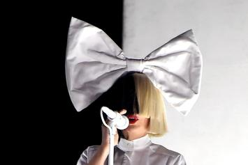 Sia Visits Walmart & Pays For People's Items, Says She Won The Lottery