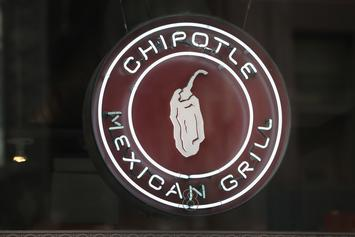 """Chipotle Giving Away Free Burritos This Week With """"Holiday Extravaganza"""" Posts"""