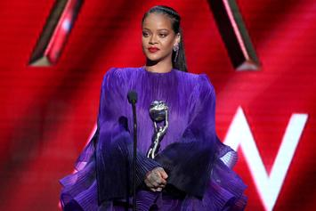 "Rihanna Encourages Other Races To ""Pull Up"" For Black Issues At NAACP Image Awards"