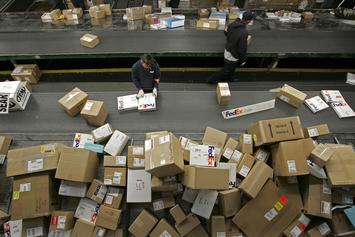 Fake Nurses Are Allegedly Stealing Packages In Washington State