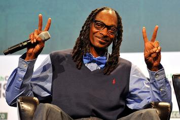 "Snoop Dogg Reflects On Witnessing Jay-Z Writing ""Still D.R.E."""