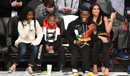 Kevin Hart Hangs With Comedy Greats At NBA All-Star Game  Vote On Your 57b51d2ba