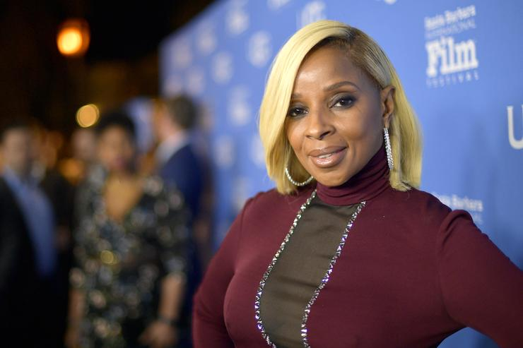 Mary J. Blige at the Virtuosos Award Presented By UGG during The 33rd Santa Barbara International Film Festival at Arlington Theatre